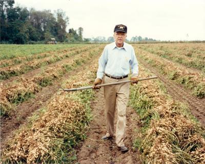 UGA grad Frank 'Mr. Peanut' McGill, who revolutionized Georgia's peanut economy, dies at 95