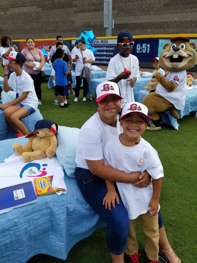 Picture of: Ashley Homestore Gwinnett Braves Give Needy Families Free Beds Baseball Game Tickets Gwinnett Stripers Gwinnettdailypost Com