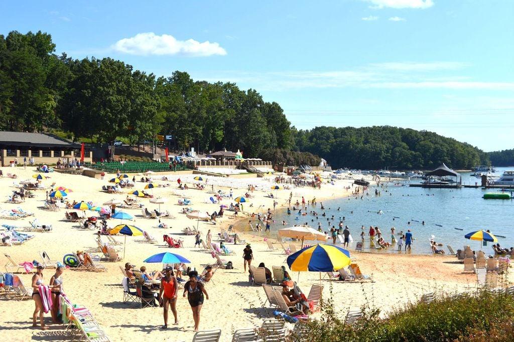 Lake lanier public beach