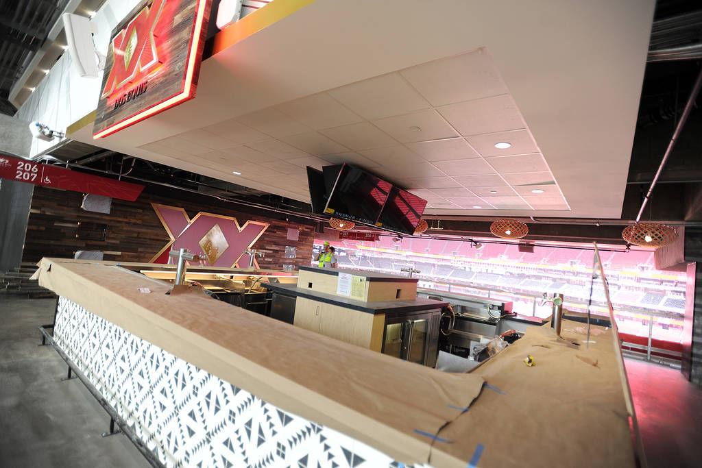 Mercedes benz stadium preparing to wow fans with tasty for Club level mercedes benz stadium
