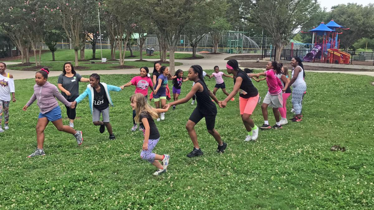 Live Healthy Gwinnett kids running at summer camp