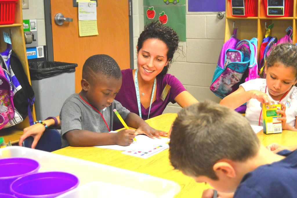 With 54 students, Ivy Creek joins growth of dual language immersion programs