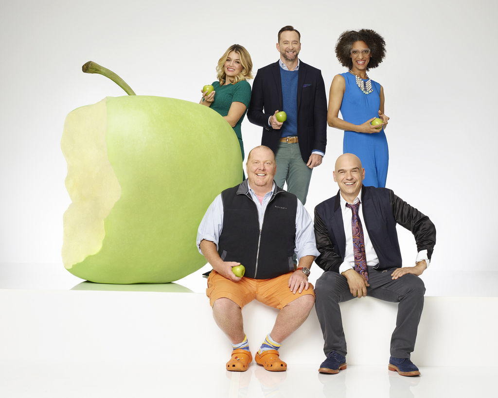 The Chew kelly and co-hosts celebrate 1,000th episode of abc's 'the chew