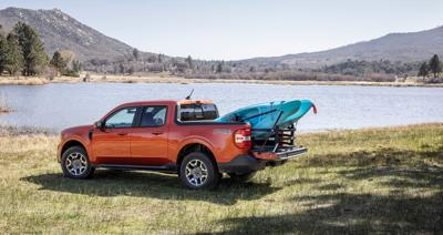 Ford enters the little pickup truck war with the new hybrid Maverick