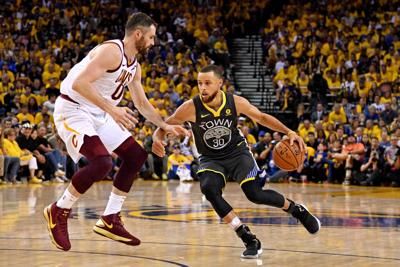 Stephen Curry sets NBA Finals 3-pointer mark as Warriors rout Cavs ... 20f72b4db