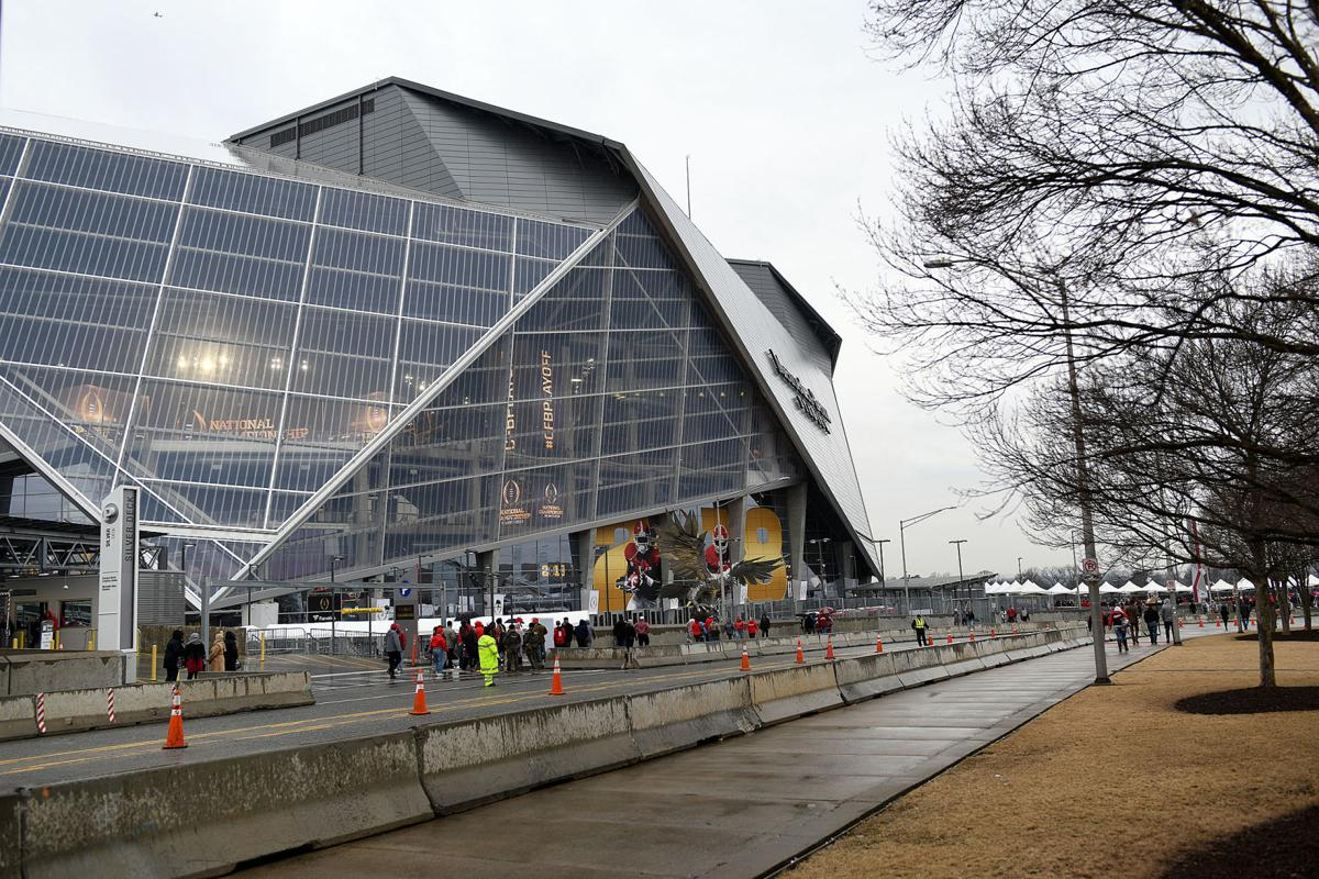 Mercedes benz stadium roof leaking prior to college for Mercedes benz gwinnett ga