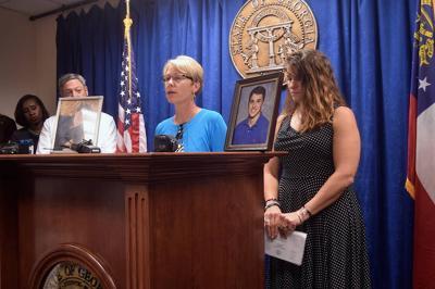 Unterman, Schrader seek to highlight opioid addiction issues