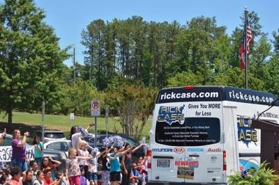 Chesney Elementary celebrates use of summer bookmobile from Rick Case