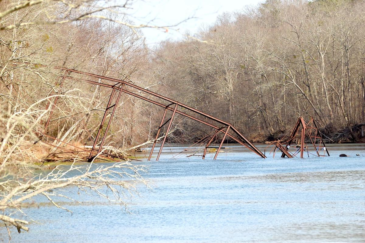 Piece of history lost after Jones Bridge collapses into Chattahoochee River