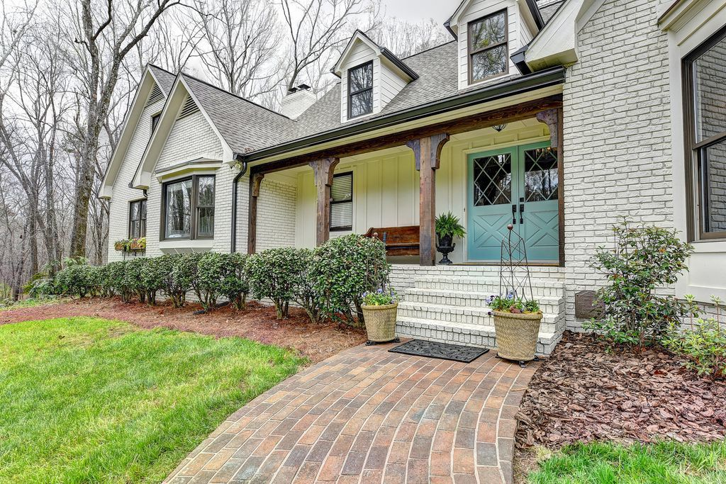 on the market southern quaint home on 2 acres in city of buford rh gwinnettdailypost com