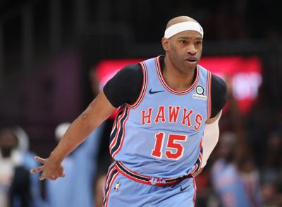 quite nice 505e9 afb9a Vince Carter signs with Hawks for record 22nd season ...