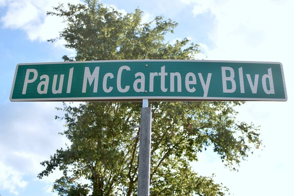 Gwinnett officials use road name to help lure Paul McCartney to the Infinite Energy Center