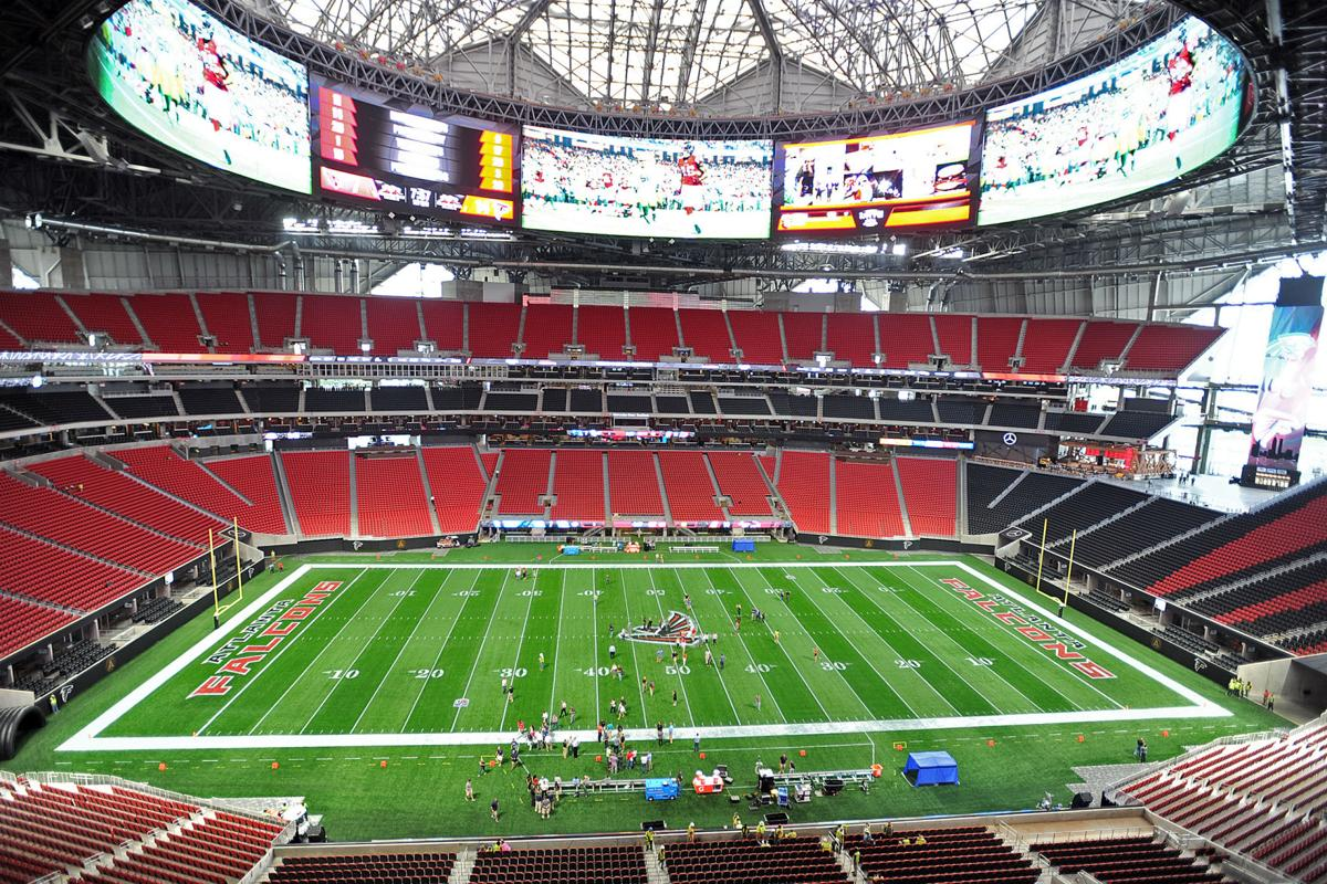 Mercedes benz stadium roof will be opened at some point for Who owns mercedes benz stadium
