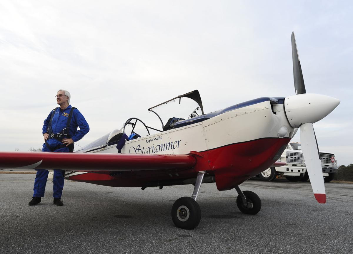 Gwinnett resident, aerobatic pilot reportedly killed in plane crash in China