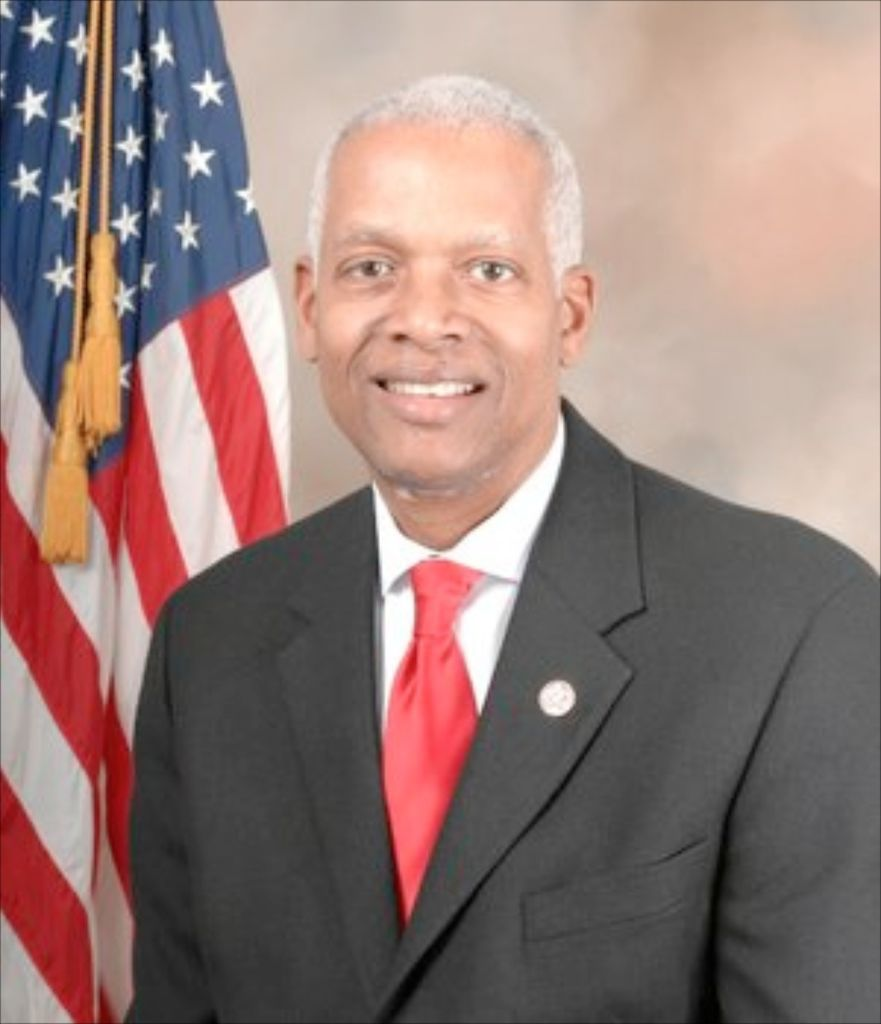 POLITICAL NOTEBOOK: Rep. Hank Johnson says Congress 'must do more to address pay disparity'