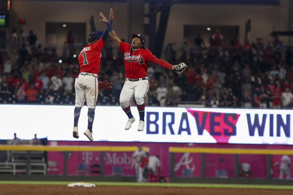 Keuchel stops Nationals as Braves win eighth straight