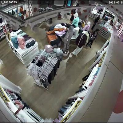 WATCH: Shoplifters steal thousands of dollars in merch from Victoria's Secret