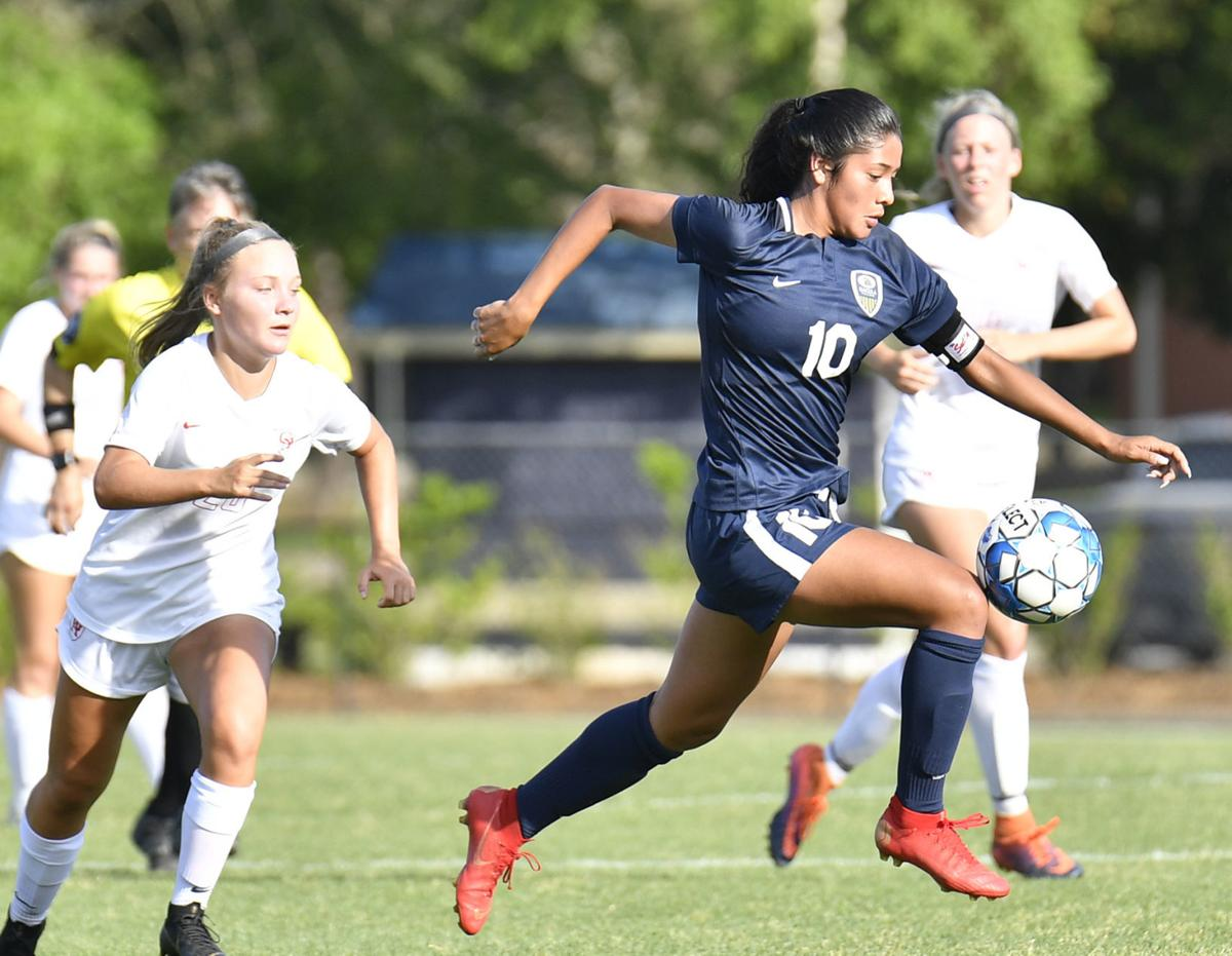 Becky Contreras sparks Dacula girls in quarterfinal rout of