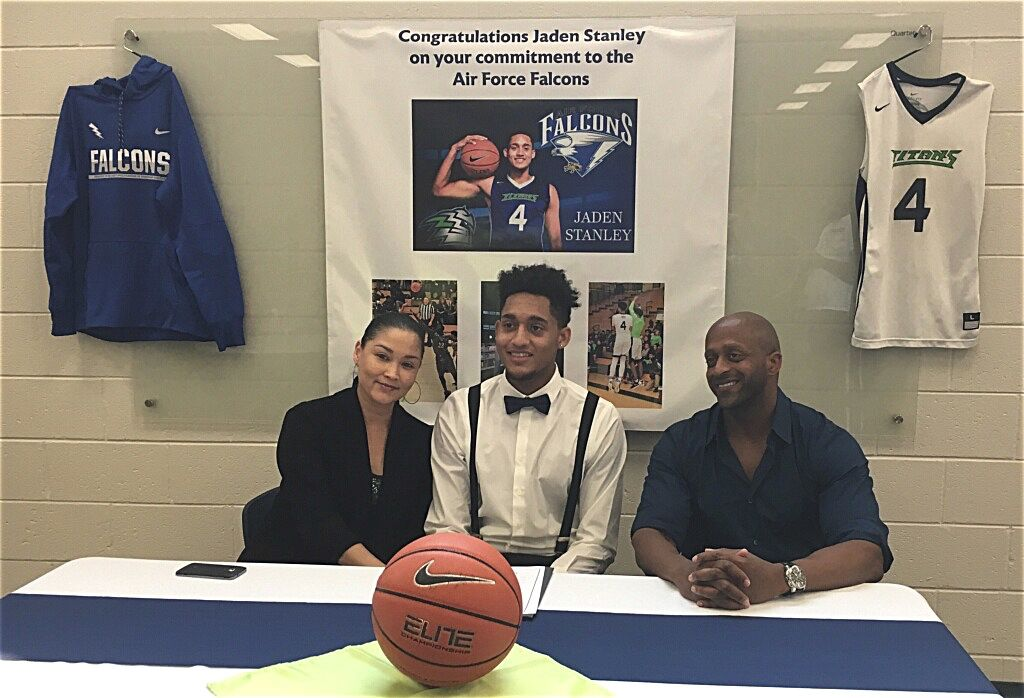 HAMMOCK: Move from Montana to Discovery pays off for Stanley, a new Air Force basketball recruit