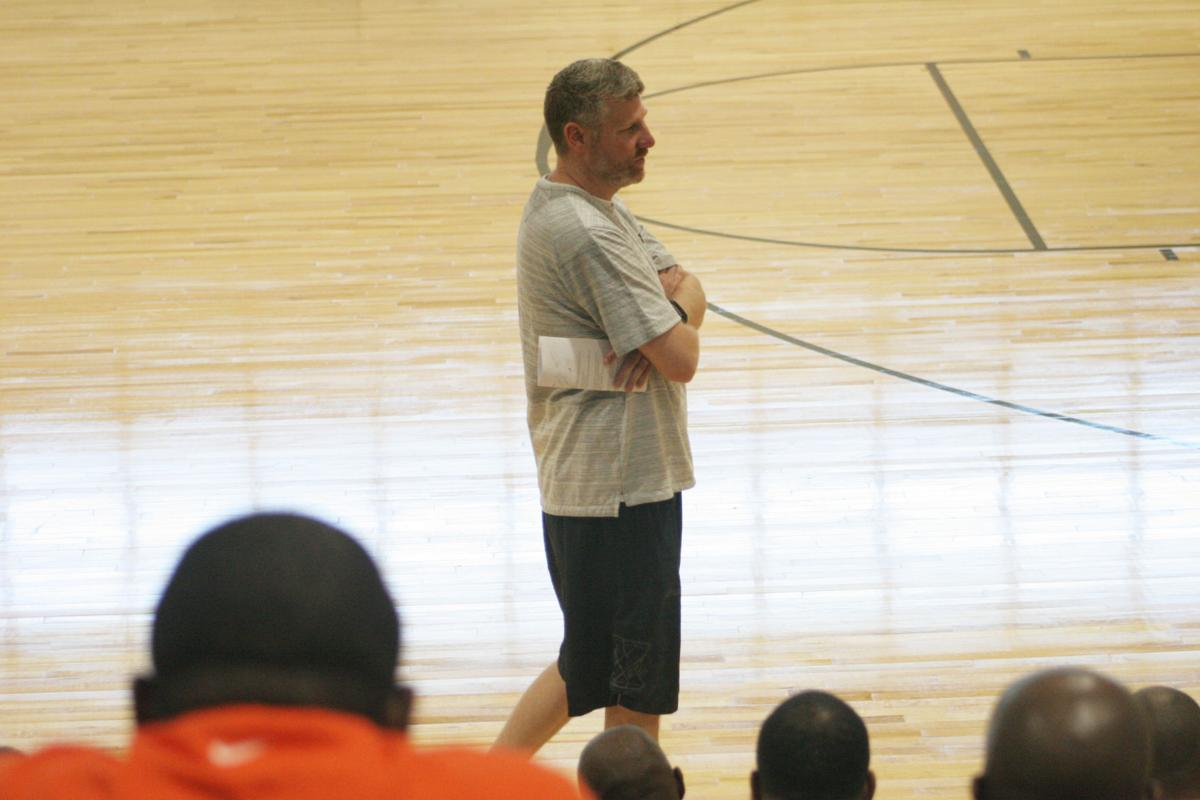 Berkmar grad's coaches clinic strengths local basketball network