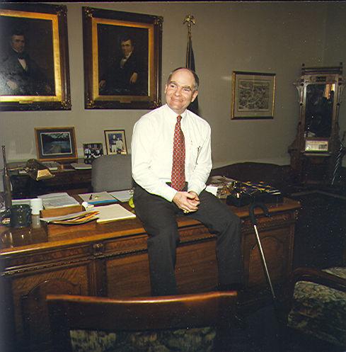Officials remember Indiana's 48th Gov. 'Joe' Kernan