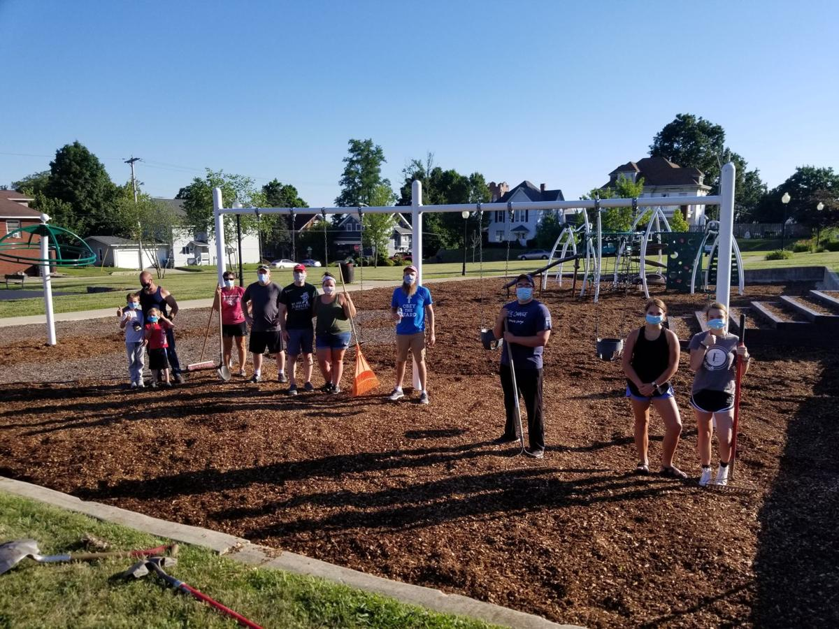 Volunteers make Huntington parks 'shine'