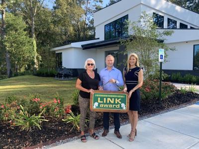 Link Award goes to Ernie Burns