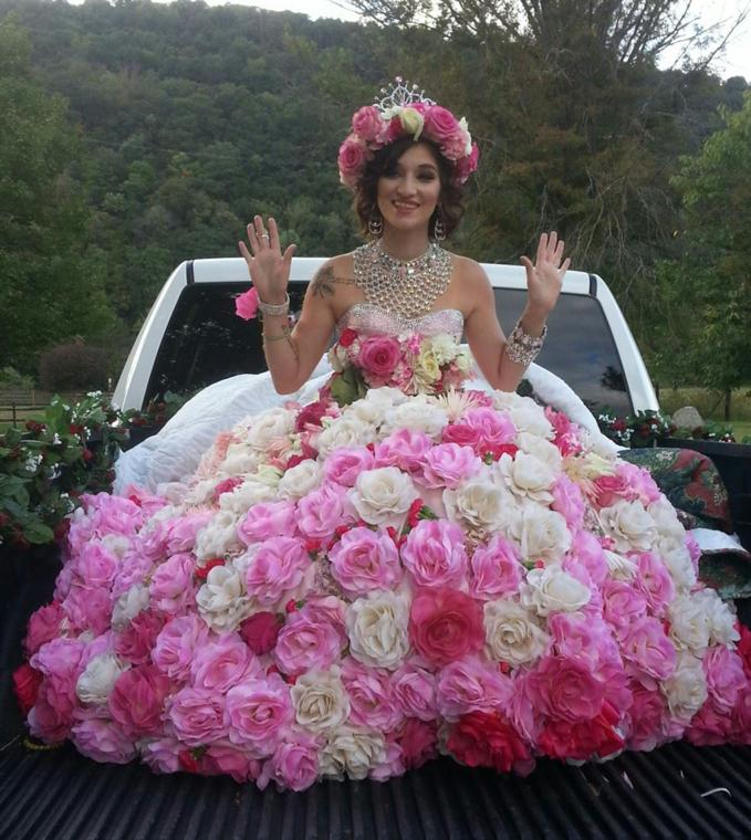Bride Maquayla Runkles Rides From The South Branch Inn To Her Fat Gypsy Wedding At Garrett Kuykendall Farm On River Road Sunday