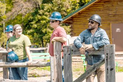 4-H'ers work with 'Barnwood Builders'
