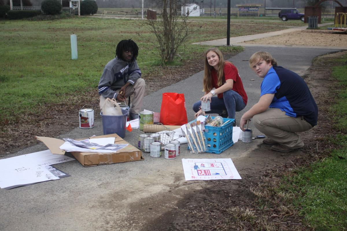 Art students ready supplies