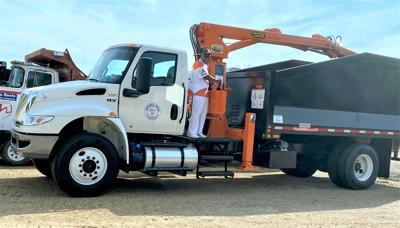P-1 Photo -- Limb truck Joe Parker.jpg