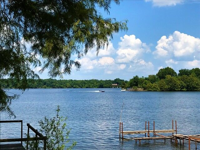 Larto Lake