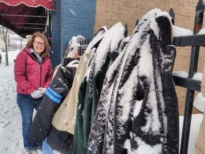 'Love Thy Neighbor' program helps the homeless