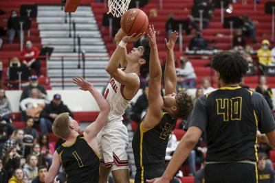 Pirates unable to hold lead in loss to Fulton