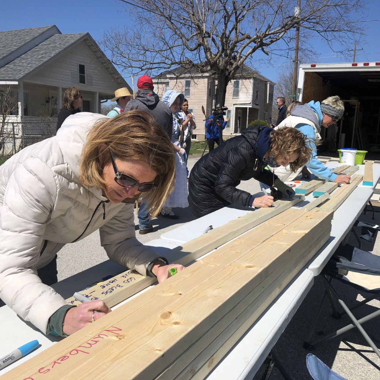 2x4s for Hope messages written for future Habitat homeowner