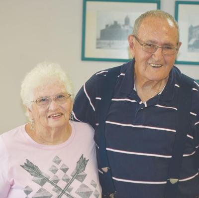 Couple gets surprise reception for 60th anniversary