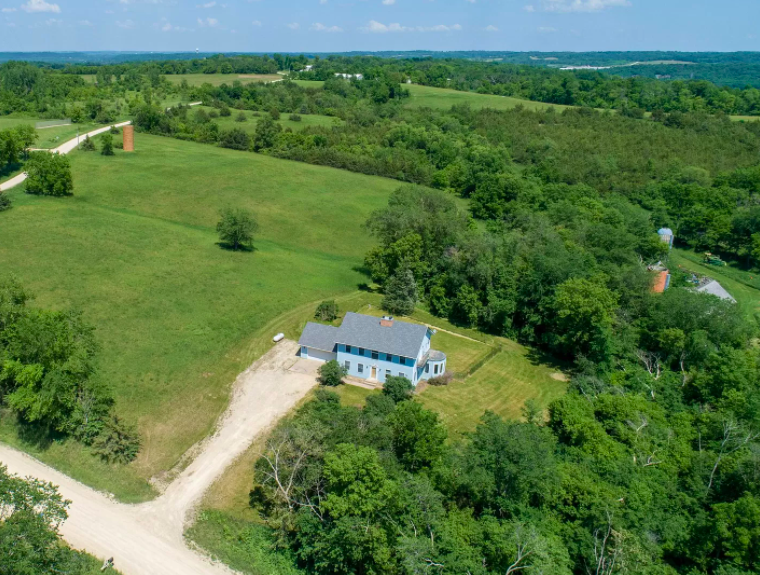 Cannon Falls, Minn., farm house for sale, 1