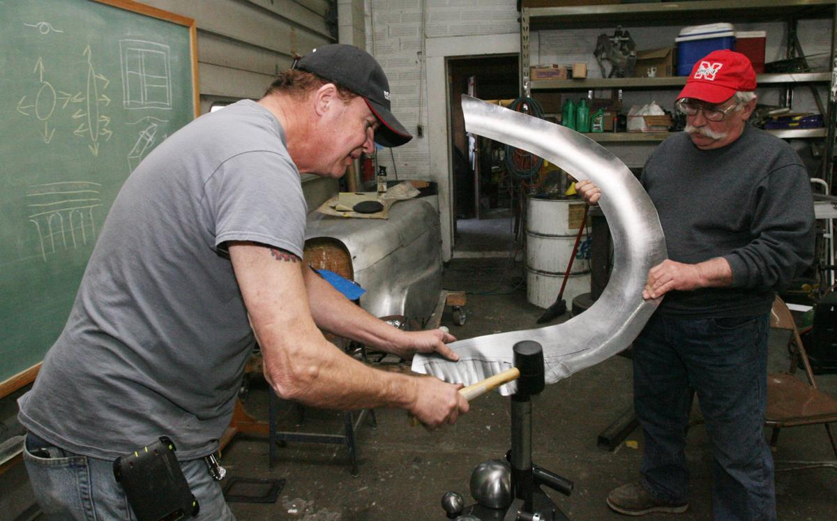 Sheet Metal Shaper Teaches Hobbyists News