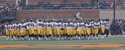 Iowa Football Swarm Illinois