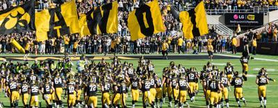 Taking the field vs Illinois 2015