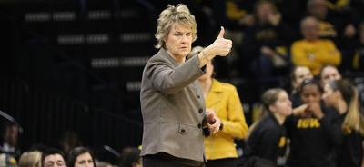 Lisa Bluder Penn State Thumbs Up