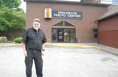 Gordon's Photo Center closing after more than 50 years