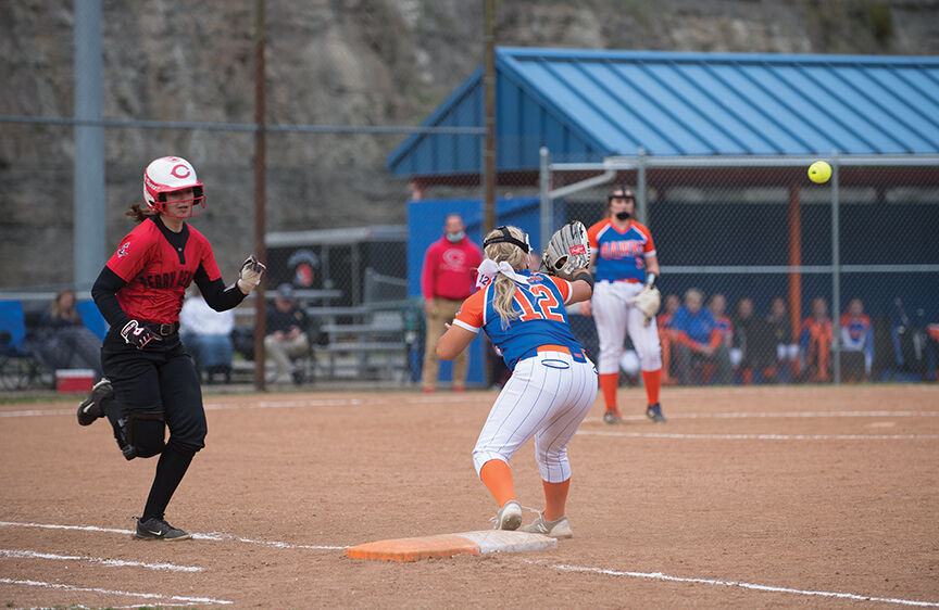 Lady Commodores' pressure too much for Lady Hawks