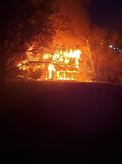 No injuries in abandoned house fire