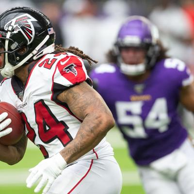 NFL: Atlanta Falcons at Minnesota Vikings