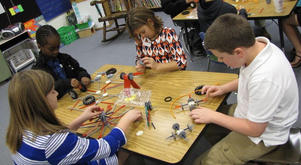 Henry hosts first district-wide Elementary Science Fair
