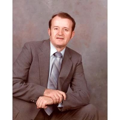 Lowell Thomas Bays