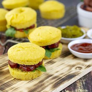 VIDEO: Recipe for Corn Muffin Hot Dog Sliders