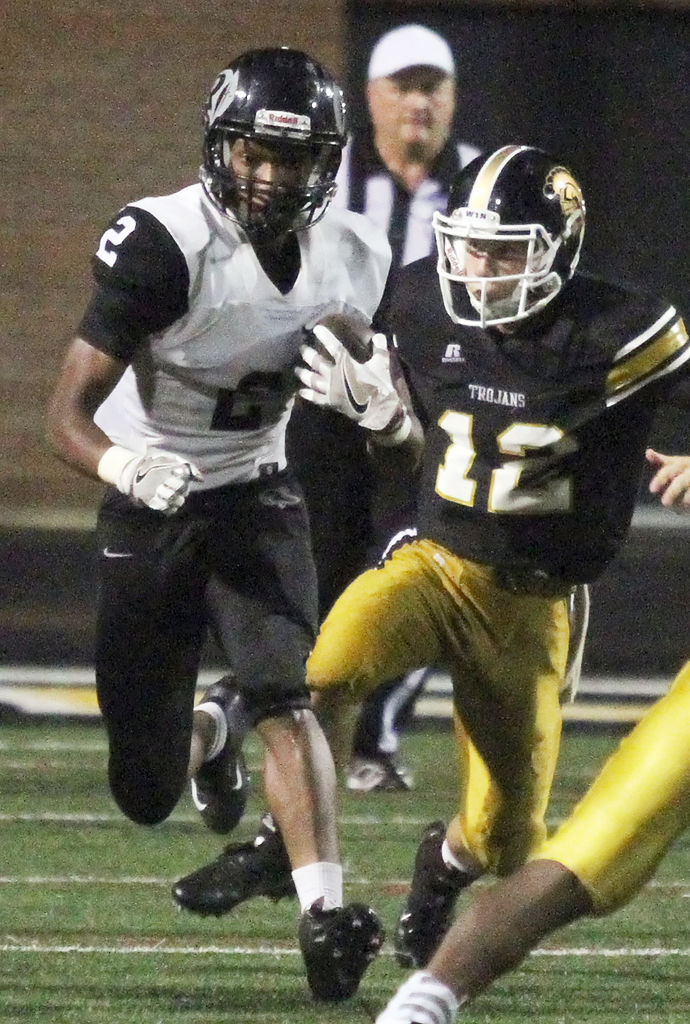 No. 4 Carrollton forces six turnovers in 50-14 win over Riverdale