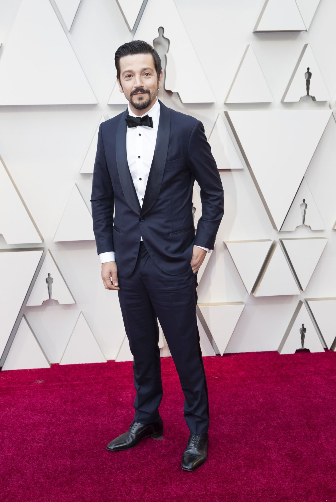 Oscars spread wealth on night marked by inclusiveness